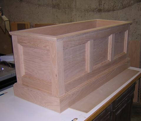 build wood toy chest | Quick Woodworking Projects