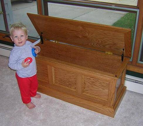 Woodworking toy box design ideas PDF Free Download